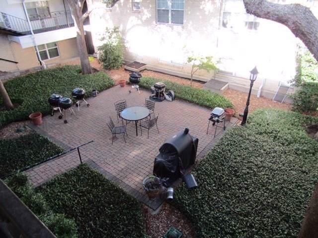 5818 E University Boulevard #204, Dallas, TX 75206 (MLS #14169591) :: The Rhodes Team