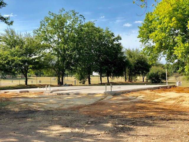 509 W Hobbs, Boyd, TX 76023 (MLS #14170061) :: The Mitchell Group