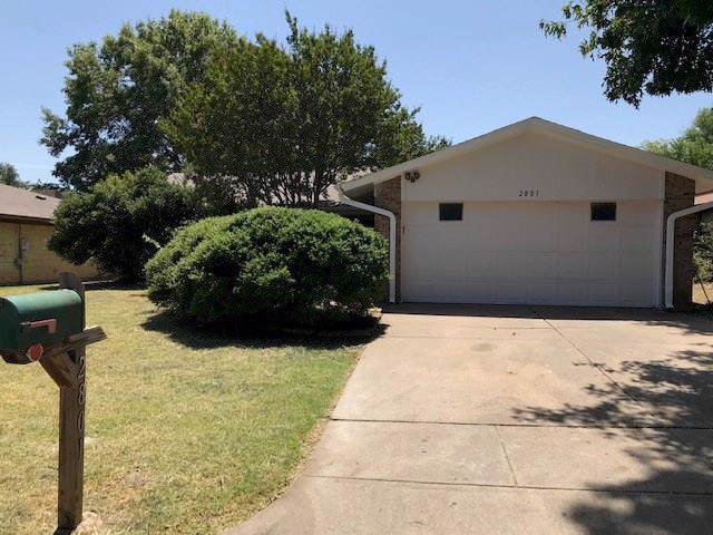 2801 Whitehurst Drive, Fort Worth, TX 76133 (MLS #14170479) :: Roberts Real Estate Group