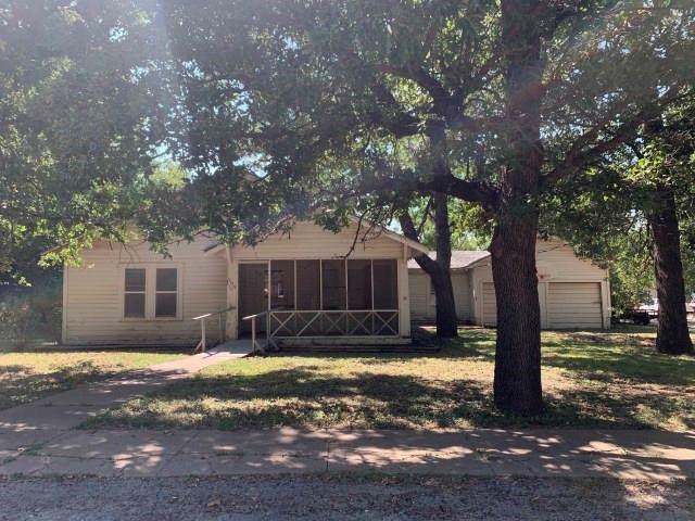 303 S Reagan Street, Hamilton, TX 76531 (MLS #14172904) :: Team Tiller