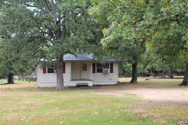 2271 County Road 45080, Powderly, TX 75473 (MLS #14174989) :: RE/MAX Town & Country