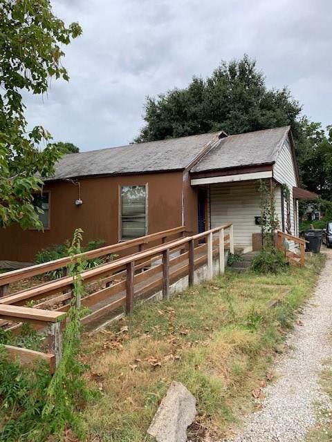 3718 Dawes Drive, Dallas, TX 75211 (MLS #14177715) :: Kimberly Davis & Associates