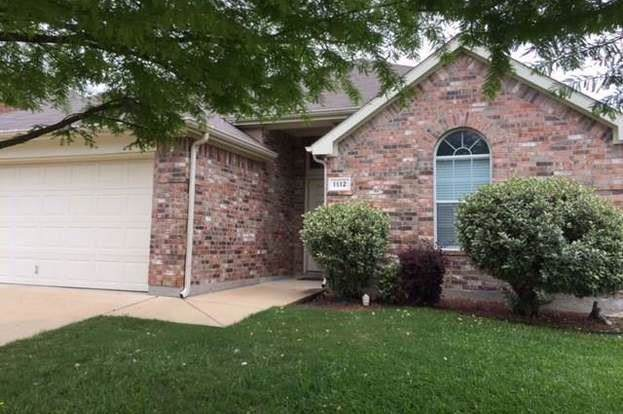 1112 Emerson Drive, Burleson, TX 76028 (MLS #14180359) :: The Mitchell Group