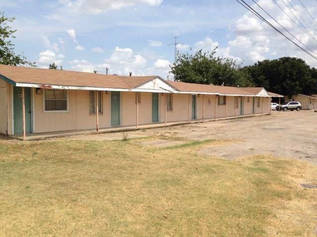 923 N Avenue G, Clifton, TX 76634 (MLS #14180817) :: The Heyl Group at Keller Williams