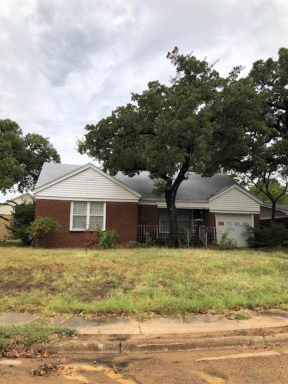 1601 Crestwood Drive, Mineral Wells, TX 76067 (MLS #14180953) :: All Cities Realty