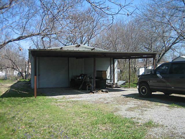 1120 Elm Street, Bonham, TX 75418 (MLS #14181780) :: Baldree Home Team
