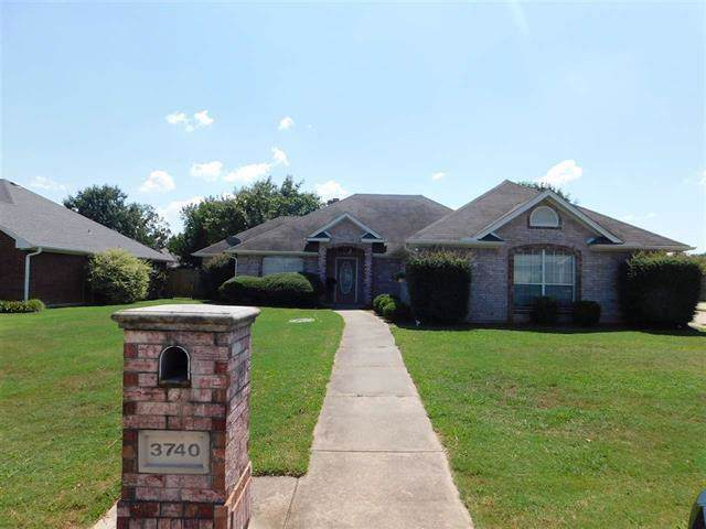3740 Village Bend, Paris, TX 75462 (MLS #14182649) :: RE/MAX Town & Country