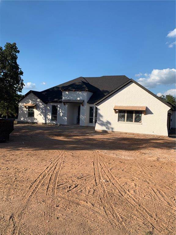 101 Sugartree Circle, Lipan, TX 76462 (MLS #14183231) :: Kimberly Davis & Associates