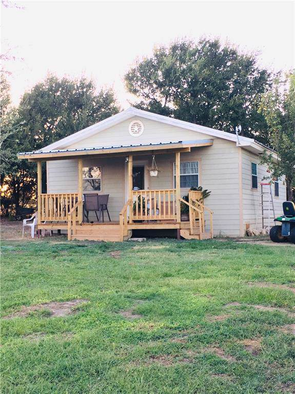 424 County Road 209, Hico, TX 76457 (MLS #14183449) :: RE/MAX Town & Country