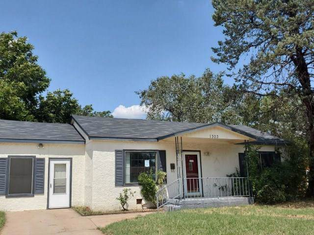 1303 E 12th Street, Sweetwater, TX 79556 (MLS #14184615) :: RE/MAX Town & Country