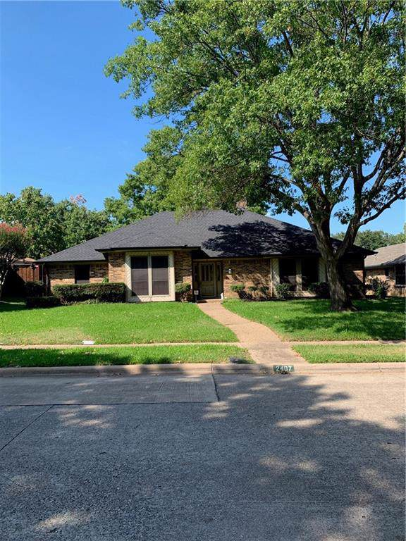 2407 Aspen Street, Richardson, TX 75082 (MLS #14184920) :: RE/MAX Town & Country