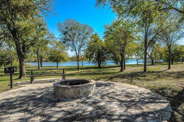 6008 Swains Lake Drive, Fort Worth, TX 76179 (MLS #14185063) :: Baldree Home Team