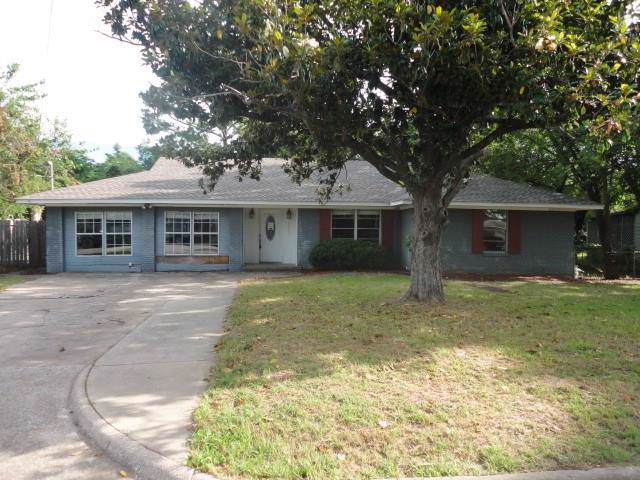 2407 Debra Avenue, Denison, TX 75020 (MLS #14187216) :: The Heyl Group at Keller Williams