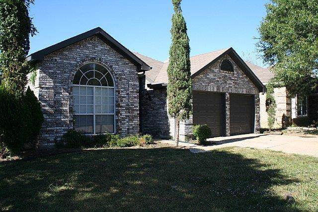6054 Fox Point Trail, Dallas, TX 75249 (MLS #14187584) :: The Real Estate Station