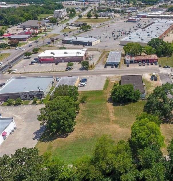 1068 Village Drive, Sulphur Springs, TX 75482 (MLS #14189964) :: RE/MAX Town & Country