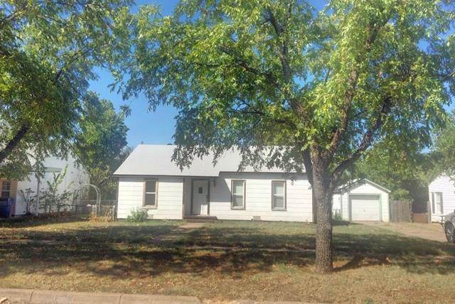 1208 Carolina Street, Graham, TX 76450 (MLS #14193172) :: RE/MAX Pinnacle Group REALTORS