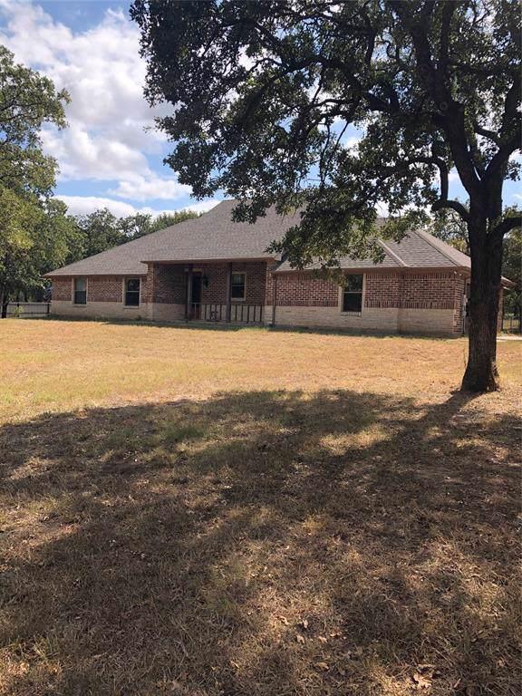 124 Florence Lane, Springtown, TX 76082 (MLS #14193257) :: Trinity Premier Properties