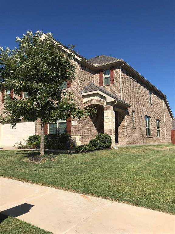 3321 Glen Crest Lane, Denton, TX 76208 (MLS #14194293) :: The Real Estate Station