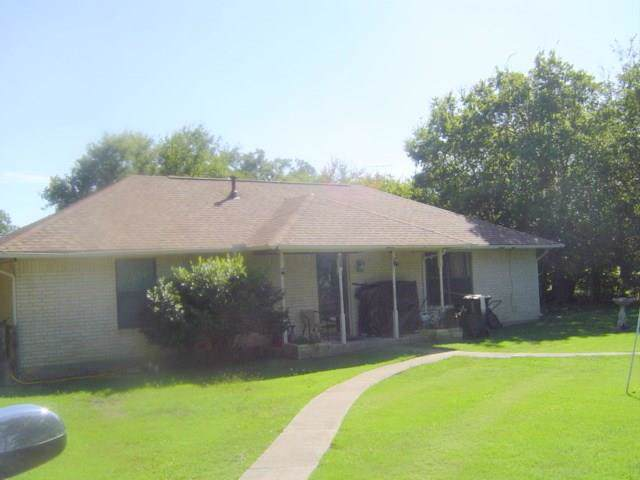 802 Bolivar Street, Sanger, TX 76266 (MLS #14194411) :: RE/MAX Town & Country