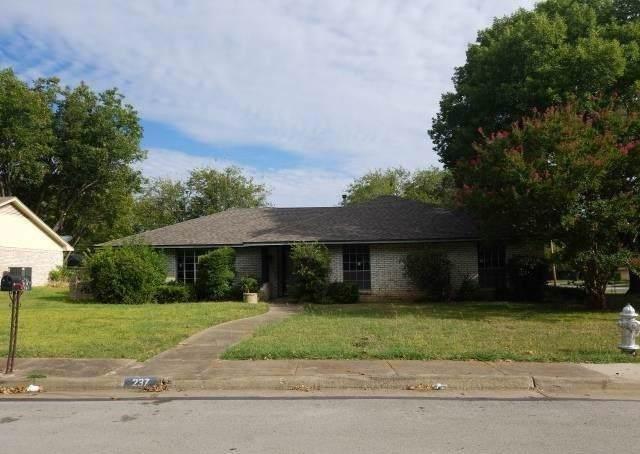 237 Connie Drive, Desoto, TX 75115 (MLS #14194585) :: Century 21 Judge Fite Company