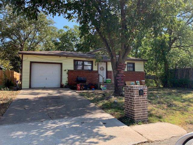 1506 N Robinson Street, Cleburne, TX 76031 (MLS #14199032) :: RE/MAX Town & Country