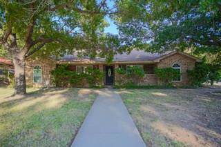 2816 Hurstview Drive, Hurst, TX 76054 (MLS #14202283) :: Lynn Wilson with Keller Williams DFW/Southlake