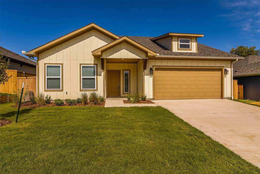 3303 Sweetwater Way - Photo 1