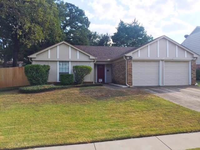 408 Teal Wood Lane, Euless, TX 76039 (MLS #14202933) :: EXIT Realty Elite