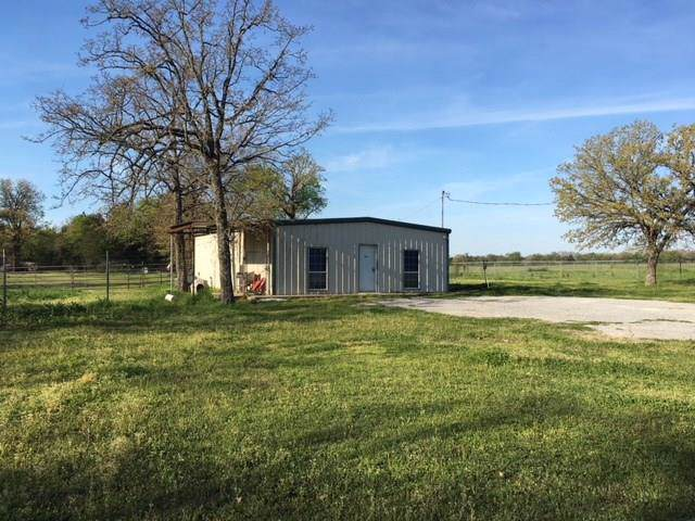 188 E Us Highway 84, Fairfield, TX 75840 (MLS #14203075) :: Lynn Wilson with Keller Williams DFW/Southlake