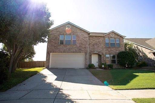330 Kissimmee Drive, Arlington, TX 76002 (MLS #14203245) :: EXIT Realty Elite