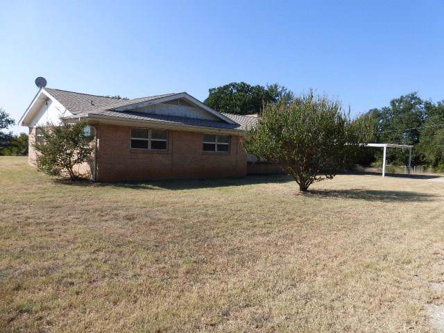 405 Travis Drive, Mineral Wells, TX 76067 (MLS #14203336) :: RE/MAX Town & Country