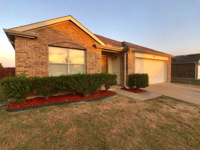 1508 Waters Edge Drive, Glenn Heights, TX 75154 (MLS #14203426) :: Tanika Donnell Realty Group