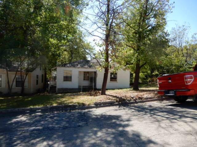 4867 Lawther Drive, River Oaks, TX 76114 (MLS #14206489) :: Lynn Wilson with Keller Williams DFW/Southlake