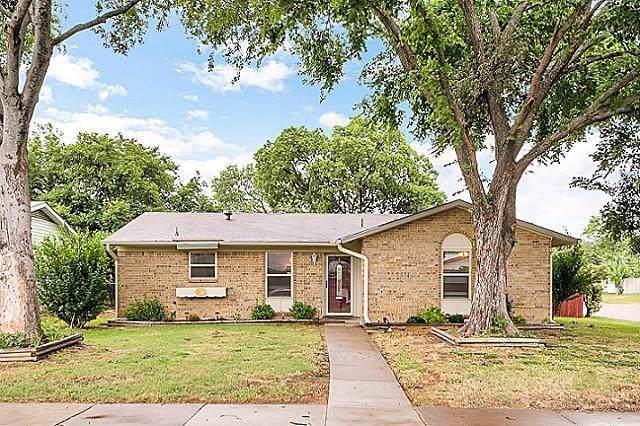 813 Meadow Mead Drive, Allen, TX 75002 (MLS #14207820) :: Tenesha Lusk Realty Group
