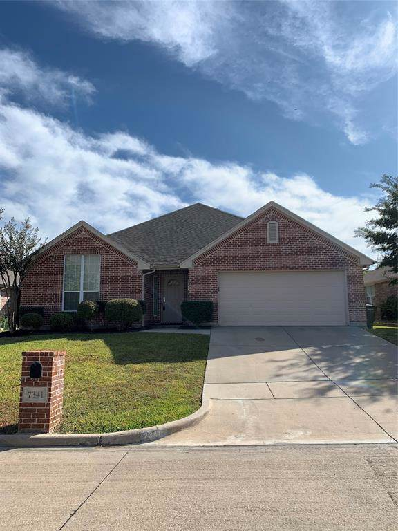 7341 Chambers Lane, Fort Worth, TX 76179 (MLS #14208846) :: RE/MAX Town & Country