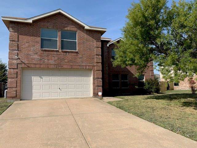 3539 Red Mine Lane, Grand Prairie, TX 75052 (MLS #14208931) :: The Tierny Jordan Network