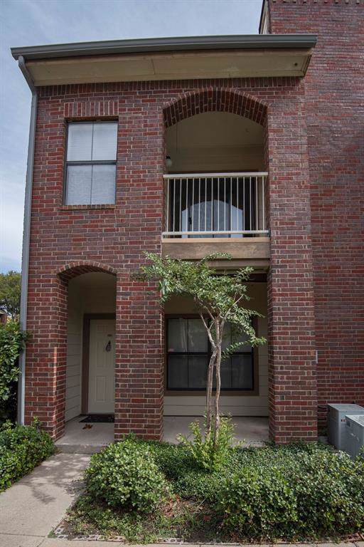 3212 Donnelly Circle #506, Fort Worth, TX 76107 (MLS #14210284) :: Team Tiller