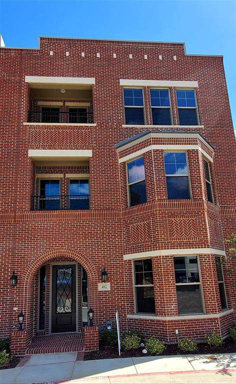 240 Morningside Drive, Denton, TX 76262 (MLS #14212663) :: Dwell Residential Realty