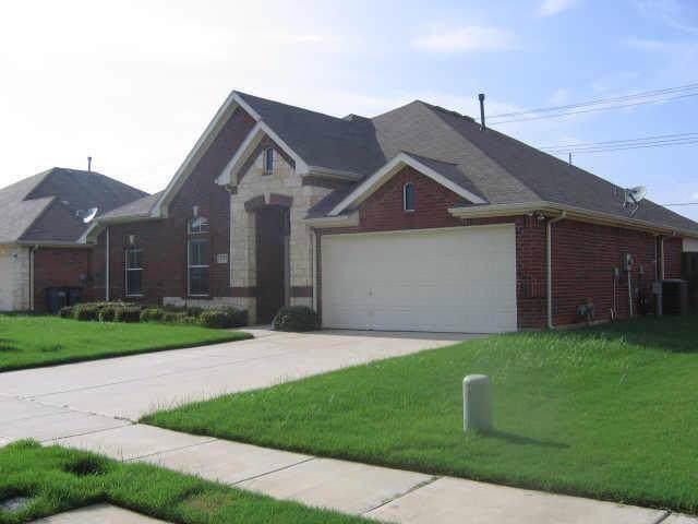 2713 Tori Oak Trail, Corinth, TX 76210 (MLS #14213706) :: Dwell Residential Realty