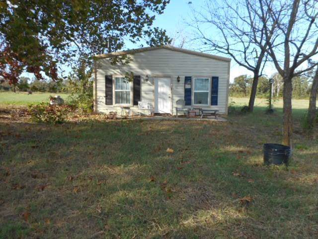 1141 County Road 2382, Pickton, TX 75471 (MLS #14214313) :: The Kimberly Davis Group