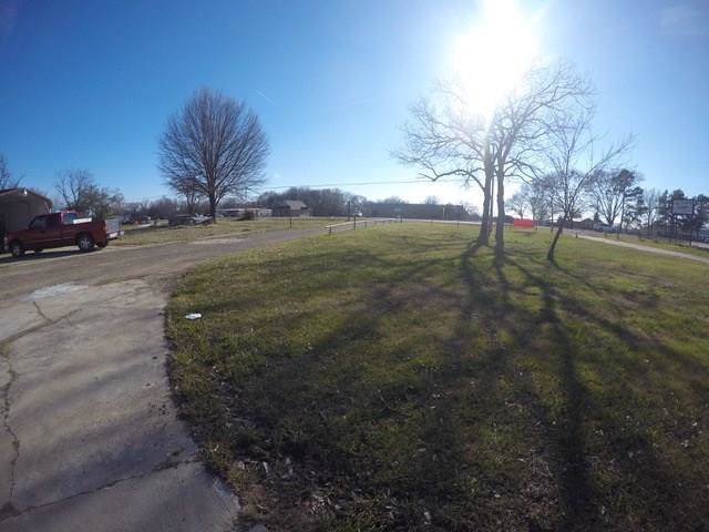 631 E Lennon Drive, Emory, TX 75440 (MLS #14214566) :: Post Oak Realty