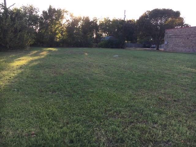 130 S Harbin Drive, Stephenville, TX 76401 (MLS #14215008) :: Frankie Arthur Real Estate