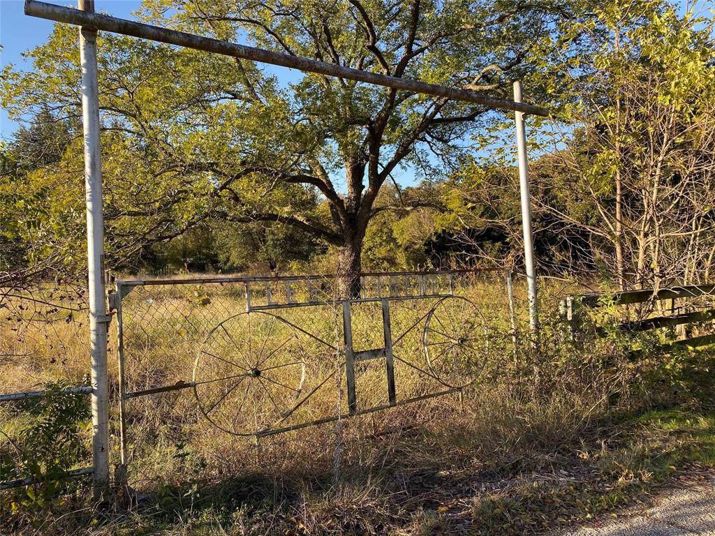 4204 County Road 703 - Photo 1