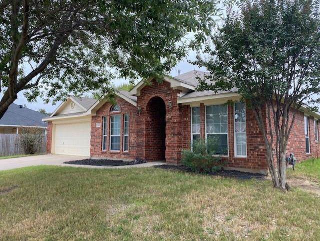 411 Hidden Ridge Drive, Burleson, TX 76028 (MLS #14216717) :: RE/MAX Town & Country