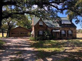 1622 Live Oak Road, Santo, TX 76472 (MLS #14221013) :: Tenesha Lusk Realty Group