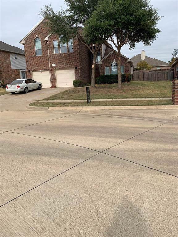 5824 Ivy Glen Drive, Grand Prairie, TX 75052 (MLS #14221655) :: RE/MAX Town & Country