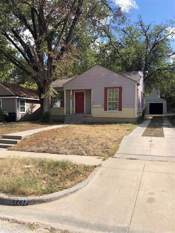 3237 Ryan Avenue, Fort Worth, TX 76110 (MLS #14221816) :: The Mitchell Group