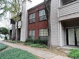 9737 Whitehurst Drive #21, Dallas, TX 75243 (MLS #14222909) :: Baldree Home Team