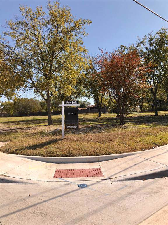 120 Pecan Street, Roanoke, TX 76262 (MLS #14222994) :: RE/MAX Town & Country