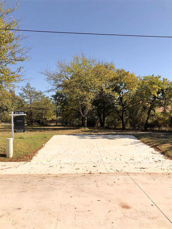 112 Pecan, Roanoke, TX 76262 (MLS #14223007) :: RE/MAX Town & Country